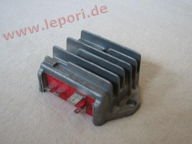 Lichtmaschinenregler 30A für Microcar